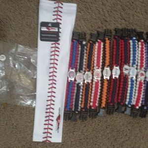 Youth Arm Sleeve Plus MLB bracelet NWT